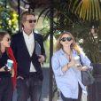 Exclusif - Mary-Kate Olsen et sa soeur Ashley Olsen à la sortie d'un rendez-vous professionnel avec un ami à Los Angeles, le 9 août 2019.