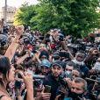 Camélia Jordana - People à la manifestation de soutien à Adama Traoré devant le tribunal de Paris le 2 juin 2020. Environ 20.000 personnes ont participé mardi soir devant le tribunal de Paris à un rassemblement interdit, émaillé d'incidents, à l'appel du comité de soutien à la famille d'Adama Traoré, jeune homme noir de 24 ans mort en 2016 après son interpellation. © Cyril Moreau / Bestimage