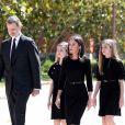 Le roi d'Espagne Felipe VI, la reine Letizia, la princesse Leonor, l'infante Sofia - La famille royale d'Espagne lors d'une minute de silence en hommage aux victimes du coronavirus (COVID-19) à Madrid le 27 mai 2020.