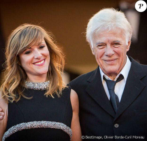 """Guy Bedos et sa fille Victoria - Montée des marches du film """"Julieta"""" lors du 69ème Festival International du Film de Cannes. Le 17 mai 2016. © Olivier Borde-Cyril Moreau/Bestimage"""