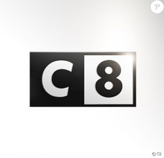 Les SMS d'une animatrice de C8 dévoilés dans une affaire de trafic de drogue