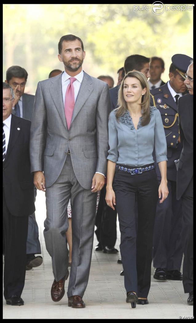 Felipe et Letizia d'Espagne assistent à l'ouverture d'un parc scientifique à Valence (Espagne, 5 septembre 2009)