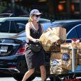 Exclusif - Elizabeth Banks est allée faire des courses pendant l'épidémie de Coronavirus Covid-19 à Los Angeles, le 29 mai 2020.