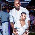 Usain Bolt et sa fiancée Kasi Bennett enceinte de leur premier enfant, le 15 mars 2020. Le couple a accueilli une petite fille comme l'a annoncé le Premier ministre jamaïcain le 18 mai 2020.