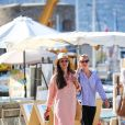Tatiana Casiraghi (Tatiana Santa Domingo) se promène avec ses amies à Saint Tropez le 9 juillet 2020.