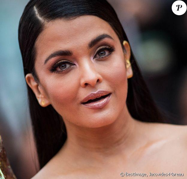 """Aishwarya Rai - Montée des marches du film """"A Hidden Life"""" lors du 72e Festival International du Film de Cannes. Le 19 mai 2019. © Jacovides-Moreau / Bestimage"""
