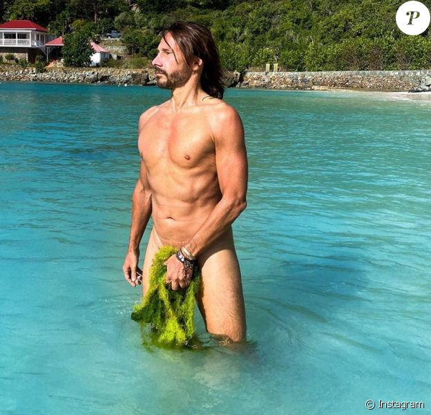 Compilation des plus belles photos de Bob Sinclar dénudé, ou nu, qu'il peut publier sur son compte Instagram. Il faut dire qu'à 51 ans, le DJ français a un corps de rêve.