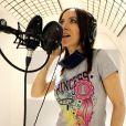 Exclusif - Fabienne Carat Fabienne Carat en séance d'enregistrement dans le studio de Richard Orlinski à Paris, le 23 Mai 2020