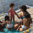 Georgina Rodriguez, la compagne de Cristiano Ronaldo, et leurs enfants en vacances. Juillet 2020.