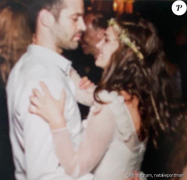 Natalie Portman a partagé cette photo inédite de son mariage sur Instagram, le 4 août 2020