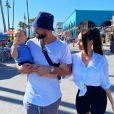 Nabilla dans les rues de Venice Beach à Los Angeles avec son mari Thomas Vergara et leur fils Milann - Instagram, 7 août 2020