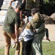 Chris Hemsworth et sa femme Elsa Pataky se baladent avec leurs enfants India, Sasha et Tristan Hemsworth à The Farm à Byron Bay en Australie. Chris profite d'une belle journée en famille le jour de son anniversaire (36 ans). Le 11 août 2019