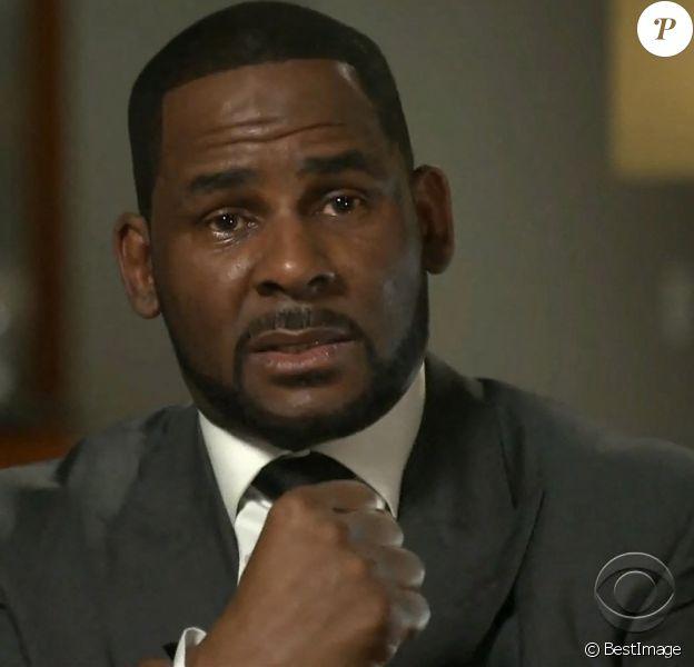 Le chanteur de RnB et producteur américain R. Kelly (Robert Sylvester Kelly), furieux et en larmes, dément les accusations de pédophilie, séquestration et d'agressions sexuelles dans une interview à la matinale de la chaîne américaine CBS, à Chicago, Illinois, Etats-Unis