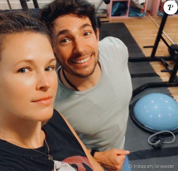 Lorie Pester en mode selfie à la salle de sport, sur Instagram.