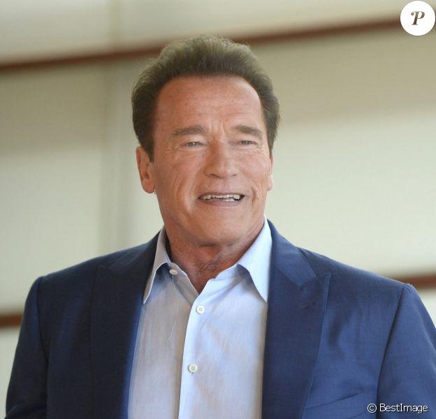 """Arnold Schwarzenegger au photocall du film """"Wonders of the Sea 3D"""" lors du 65ème Festival du Film de San Sebastian."""