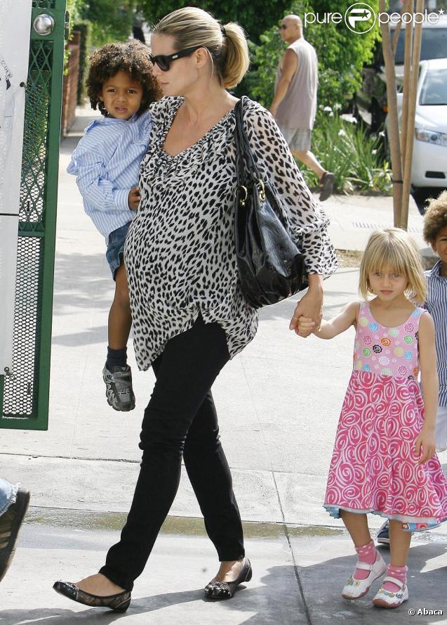 Heidi Klum et ses enfants près de la salle de sports de ces derniers. Le 29/09/09 à Los Angeles