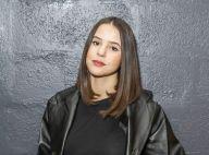 """Marina Kaye : Décolletée en """"robe du dimanche"""", la chanteuse s'active pour ses fans"""
