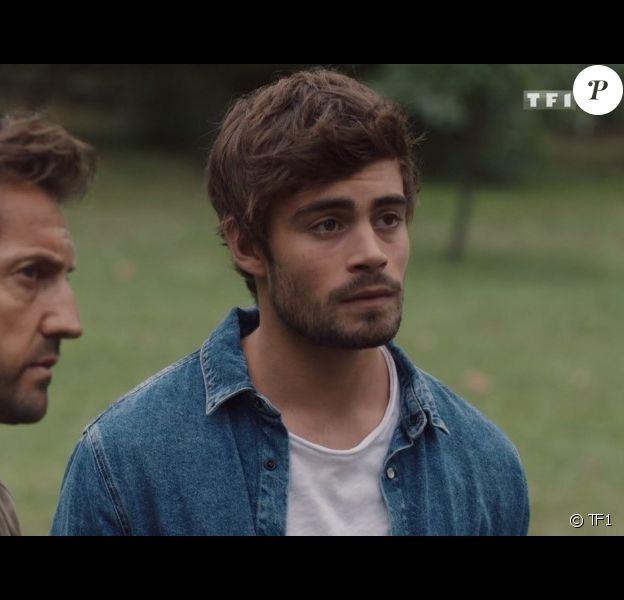"""Clément Rémiens et Frédéric Diefenthal dans la série """"Ici tout commence"""", diffusée sur TF1."""