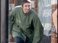 Liam Gallagher : Alors qu'il a tué Oasis... il s'en fout complètement et prend du bon temps !