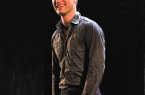 Jude Law pour la première d'Hamlet à Broadway... essuie des critiques très mitigées ! Pourtant, les fans sont là !