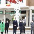 Le roi Felipe VI d'Espagne, la reine Letizia d'Espagne assiste à l'inauguration du monument en mémoire et en reconnaissance des agents de santé décédés dans l'exercice de leur profession lors de la pandémie COVID-19 sur la place Sagrados Corazones le 18 décembre 2020 à Madrid, Espagne.
