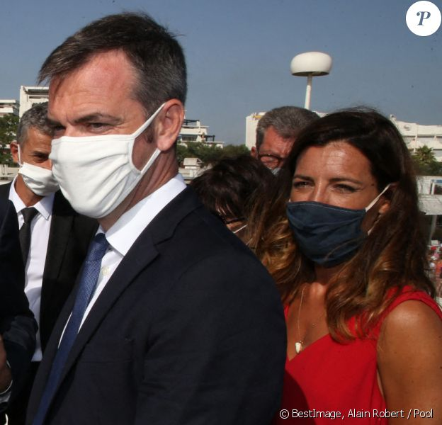 Visite du premier ministre et du ministre de la santé à la Grande-Motte, avec la députée Coralie Dubost. © Alain Robert / Pool / Bestimage