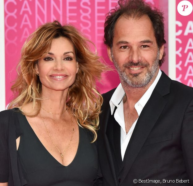 "Séparation - Ingrid Chauvin annonce sa séparation avec son mari Thierry Peythieu - Ingrid Chauvin et son mari Thierry Peythieu durant le ""Pink Carpet"" des séries ""Killing Eve"" et ""When Heroes Fly"" lors du festival ""Canneseries"" à Cannes.@ Bruno Bebert/Bestimage"