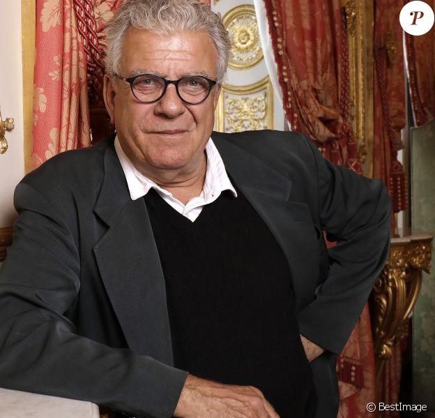 Rétro - Accusé d'inceste, le politologue Olivier Duhamel démissionne de ses fonctions - Portrait de de Olivier Duhamel