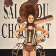 Laetitia Rey au salon du chocolat (13 octobre 2009)