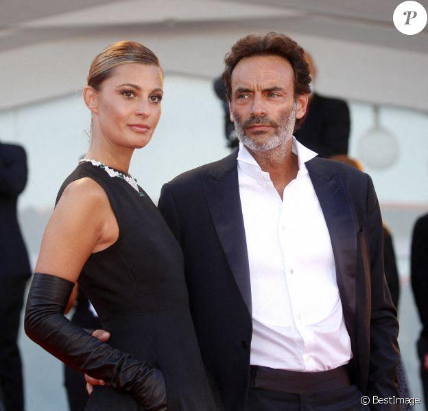 Anthony Delon et sa fiancée Sveva Alviti lors de la cérémonie d'ouverture de la 77ème édition du festival international du film de Venise (Mostra).
