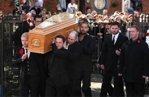 Mort de Stephen Gately : Revivez l'hommage bouleversant de Ronan Keating, de sa famille et de 3 500 fans...
