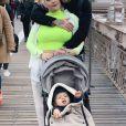 """Manon de """"The Voice"""" aux Etats-Unis avec son mari Hugo et leur fils Lenny, le 27 novembre 2019"""