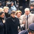 Catherine Allégret et Carole Amiel aux Obsèques d'Yves Montand en 1991.