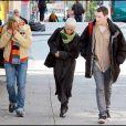 """""""Jodie Foster et Anton Yelchin sur le tournage de The Beaver, à New York. 20/10/09"""""""