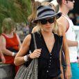 Plus sûre d'elle, Sienna Miller continue de prouver qu'elle possède un sens inné de la mode.