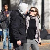 Quand l'élégante Jennifer Garner et son Ben Affleck bosseur s'embrassent en pleine rue !