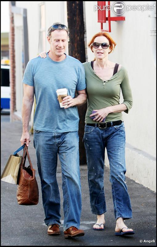 Marcia Cross et son époux Tom Mahoney, en forme, font une balade à Los Angeles. 24/10/09