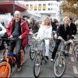 Denis Baupin, Evelyne Dhéliat et Fabienna Amiach au Green Ride de Paris (25 octobre 2009)