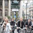 Evelyne Dhéliat et d'autres présentateurs météo au Green Ride de Paris (25 octobre 2009)