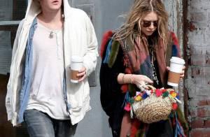 Mary-Kate Olsen persiste et signe avec le look négligé... mais son homme est très glamour !