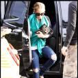 Nicole Richie dans les rues de Los Angeles avec un look au top!