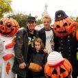 Jean-Luc Reichmann, son fils Hugo et sa fille Rosalie - Lancement de la saison Halloween à Disneyland Resort Paris.