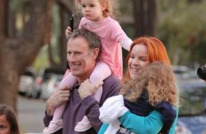 Marcia Cross : Ses jumelles ont décidé de se différencier pour fêter Halloween... avec maman et papa !