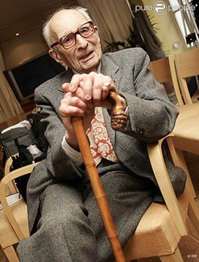 Claude Lévi-Strauss est décédé le 1er novembre 2009. Il avait 100 ans.