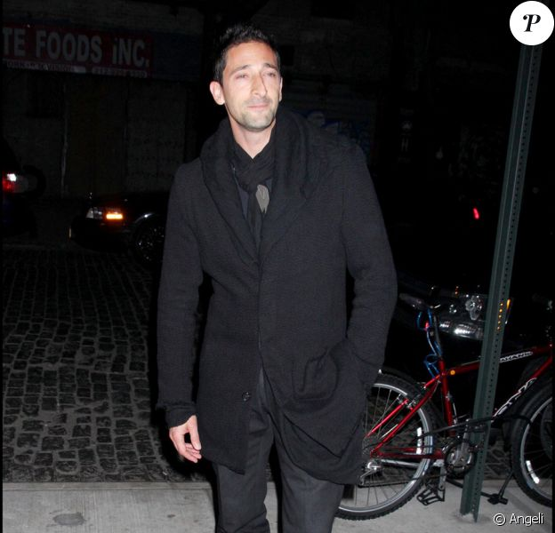 Adrien Brody lors de la soirée pour la sortie du dvd Valentino : The Last Emperor à New York le 3 novembre 2009