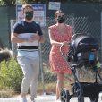 Lea Michele et son mari Zandy Reich se promènent avec leur nouveau-né Ever Leo à Santa Monica, le 13 octobre 2020