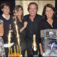Michel Leeb fête ses 30 ans de carrière au Palais des Congrès de Paris avec sa famille