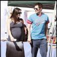Johnny Knoxville et sa fiancée Naomi Nelson, très enceinte, à Los Angeles