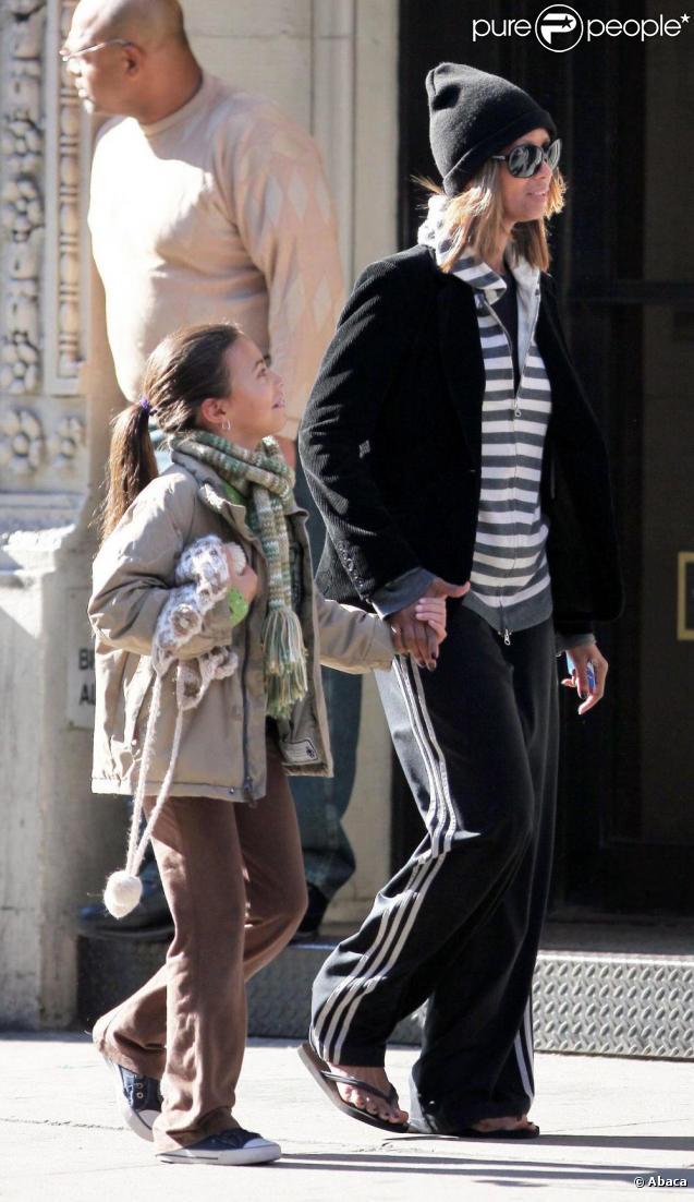 Iman Bowie et sa fille Alewandria Zahra à la sortie de l'école à New York le 8/11/09
