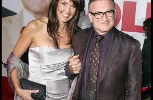 Robin Williams : en pleine forme et amoureux... Il ne lâche plus la main de sa charmante compagne !